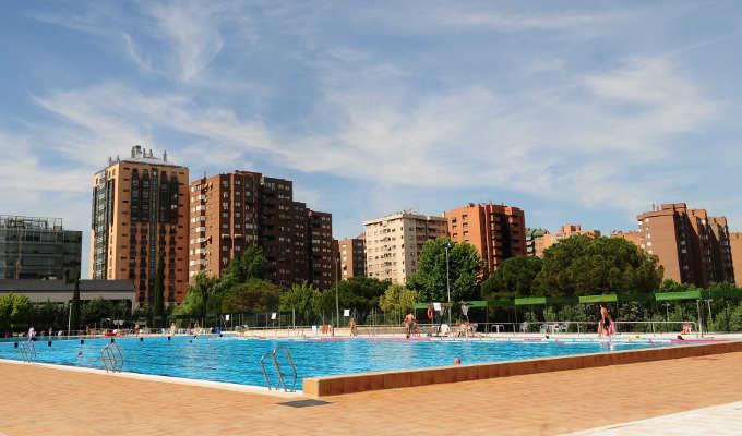 Polideportivo vicente del bosque polideportivo barrio del for Precio piscina municipal madrid 2017