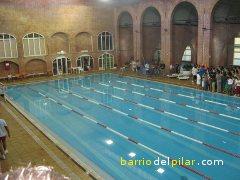 Polideportivos e instalaciones deportivas del barrio del pilar for Piscina municipal vicente del bosque