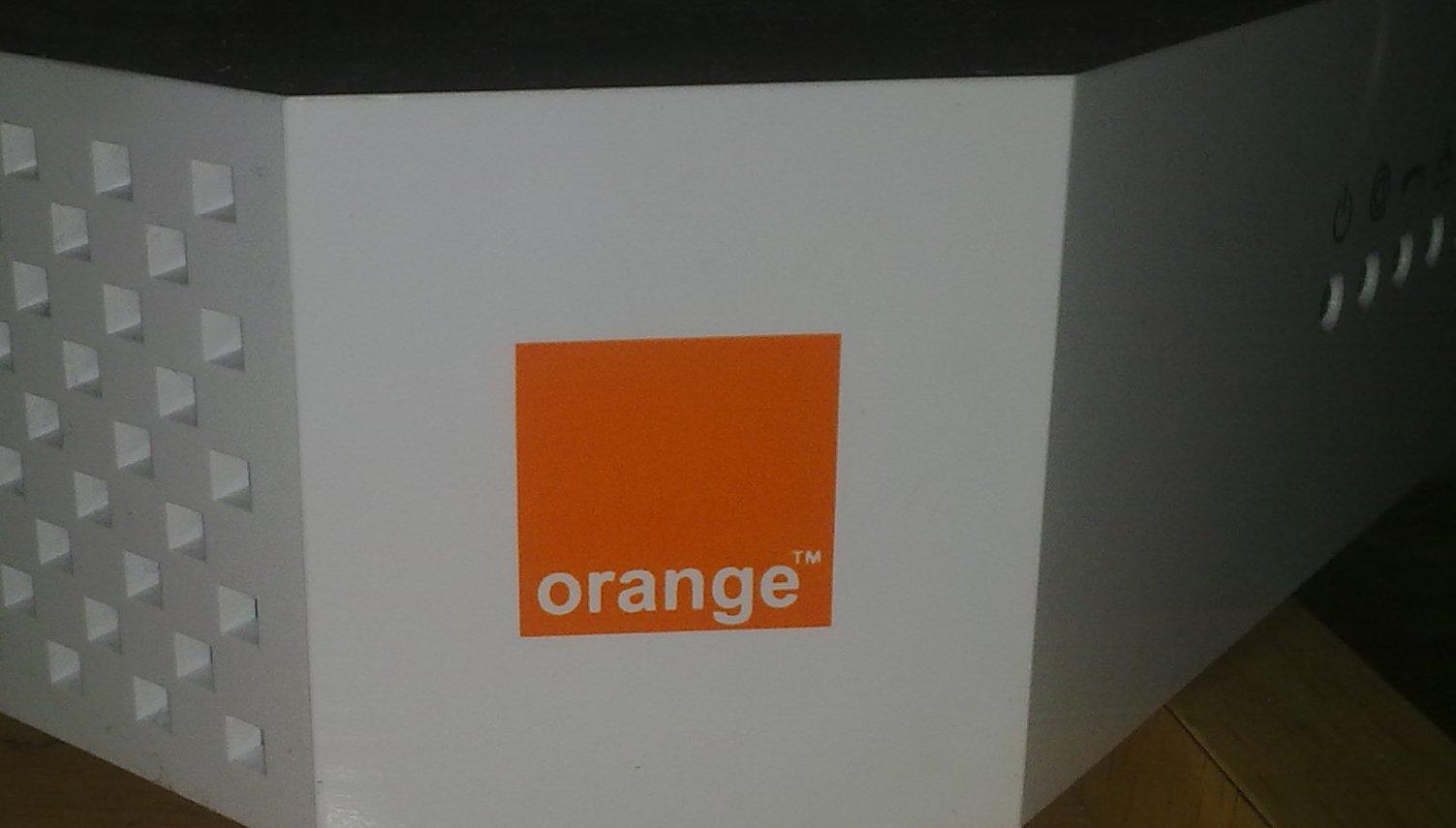 router_orange