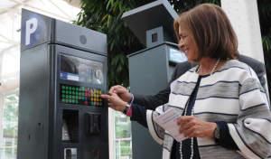 Ana Botella presenta los nuevos parquímetros