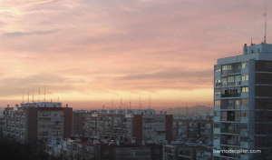 Vista del Barrio del Pilar en plena ola de contaminación