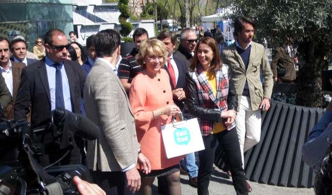 Esperanza Aguirre en el Barrio del Pilar